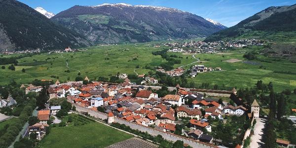 Glurns im Vinschgau - Ausgangspunkt für den 8 Gipfel Marsch.