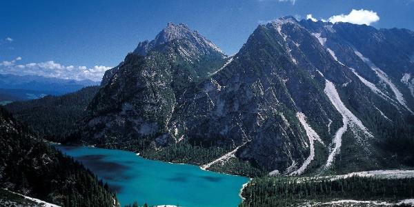 Der Pragser Wildsee: Ausgangspunkt für den Dolomiten-Höhenweg