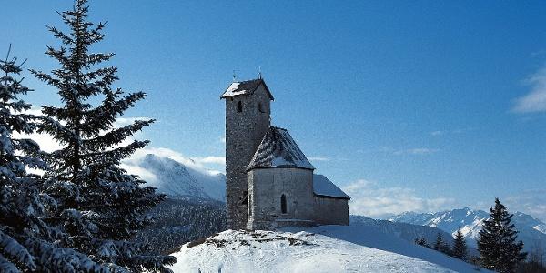 Die Kirche am Vigiljoch auf den Etschtaler Höhen