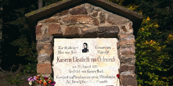 "Near Nova Levante we walk the promenade of Elisabeth on the ""Zenaiboden"""