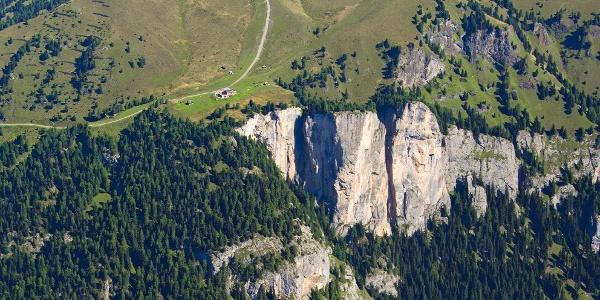 Die Tour führt vorbei am Rifugio Baita Cuz