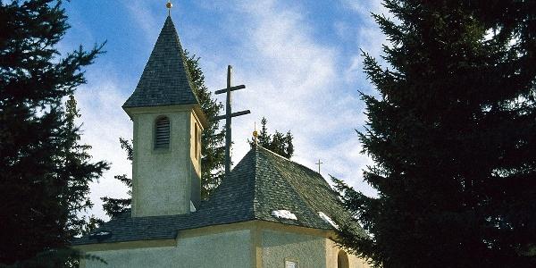 Das Mariahilfkirchlein am Freienbühel bei Afers.