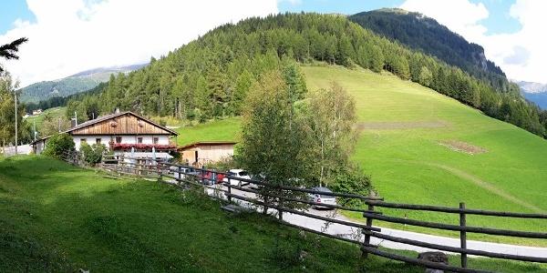 Zur ruhig gelegenen Jausenstation Braunhof.