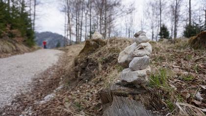 Steinmanderl zeigen hin und wieder den Weg