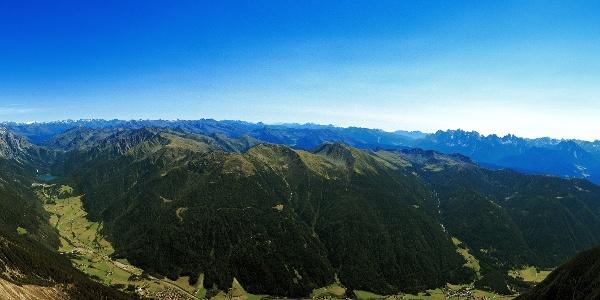 Das Antholzer Tal aus der Vogelperspektive.