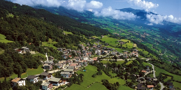 Barbian, das Dorf mit dem schiefen Turm
