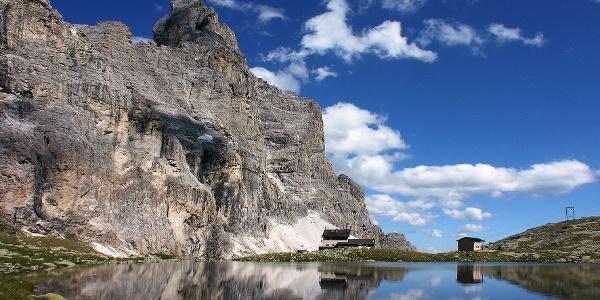 Tiroler Höhenweg Etappe 5: Start von der Tribulaunhütte hinunter nach Pflersch.