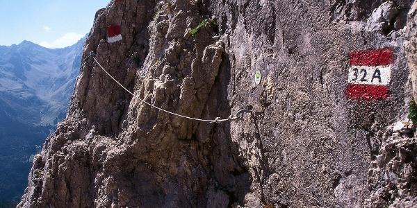 Der Pflerscher Höhenweg, an dem diese Etappe des Tiroler Höhenweges entlang führt, ist zum Teil sehr ausgesetzt.