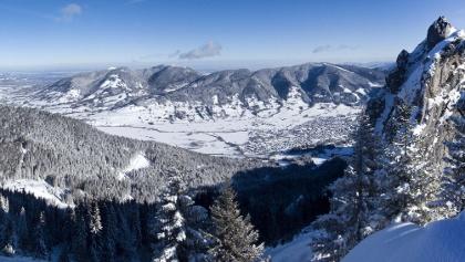 Panoramablick vom Zahn über Hohen Peißenberg, Hörnle, Aufacker und nach Oberammergau.