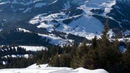 Aussicht aus dem Gipfelhang zum Großen Traithen, einem ebenfalls lohnenden aber nicht ganz harmlosen Skitourenziel