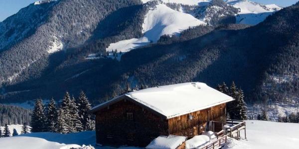 Der Anstieg auf den Stolzenberg führt an der Haushamer Alm vorbei.