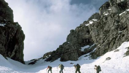 Die letzten Meter des steilen Aufstiegs im Schinderkar