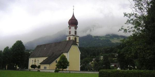 Ludesch, Katholische Pfarrkirche Heilgier Sebastian mit Friedhof