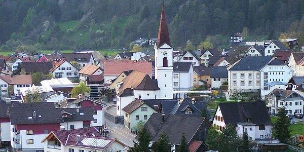Nüziders, Katholische Pfarrkirche Heilige Viktor und Markus mit Friedhof