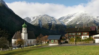 Sankt Gallenkirch, Katholsiche Pfarrkirche Heiliger Gallus mit Friedhof