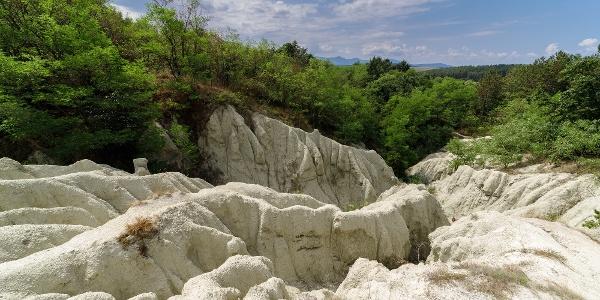 A kazári riolittufa formáció