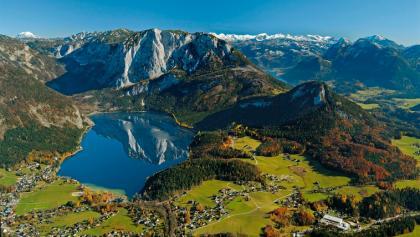 Blick auf den Altausseer See mit der Trisselwand