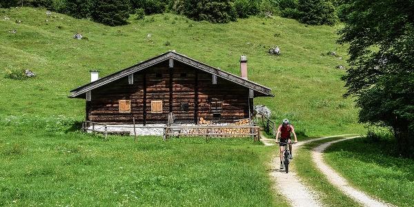 Mit dem Mountainbike auf der Schwarzbach-Alm