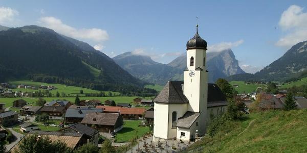 Schoppernau, Katholische Pfarrkirche Heiliger Philippus und Heiliger Jakobus 2