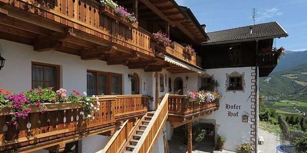 Herzlich willkommen auf dem Hofer Hof in Schrambach bei Brixen!