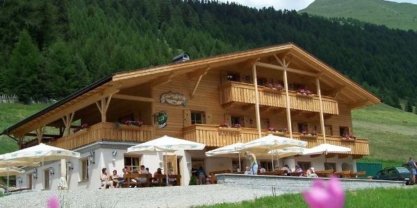 Die Großberghütte in der Ferienregion Gitschberg - Jochtal ist zum Einkehren und Urlauben beliebt.