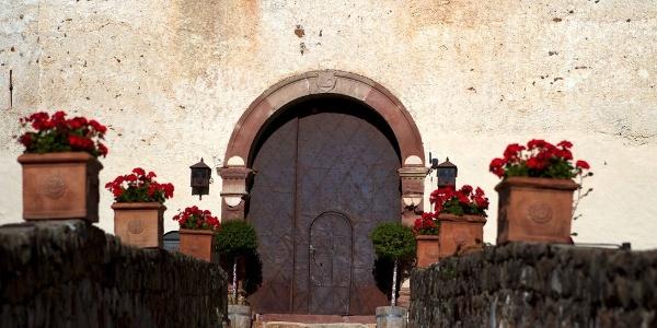 1244 erstmals erwähnt, hatte der Adelsitz Castel Katzenzungen eine wechselvolle Geschichte.