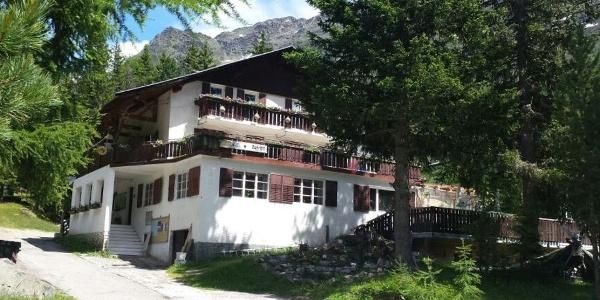 Herzlich Willkommen im idyllisch gelegenen Alpengasthof Zufritt im Martelltal.