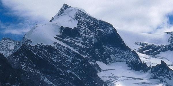 Mächtig ragt die Dreiherrenspitze im Tauferer Ahrntal in die Höhe.