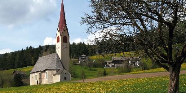 Die Jakobskirche in Nasen bei Percha