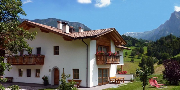 Guesthouse Paalhof: Farm holidays in the Dolomites in Italy