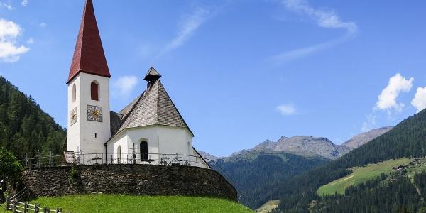 Der Grundstein der Kirche von St. Gertraud wurde im 14. Jh. gelegt.