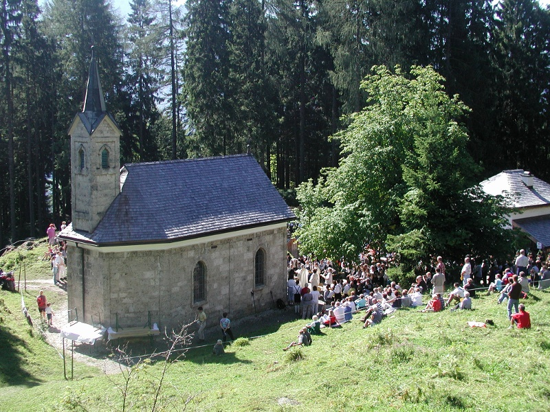 Nußlberg von Baumgartenhof zum Kircherl, Abstieg zum Stausee