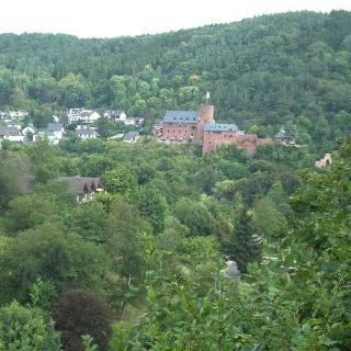 Blick auf Burg Heimbach