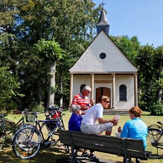 Radler an der Rellerkapelle