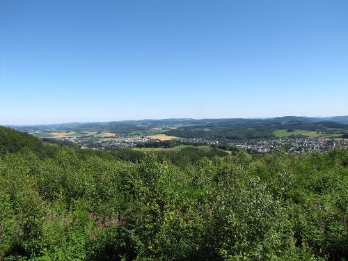 Sauerland-Höhenflug: Von Altena nach Neuenrade. Wanderung mit Bus und Bahn (MVG)