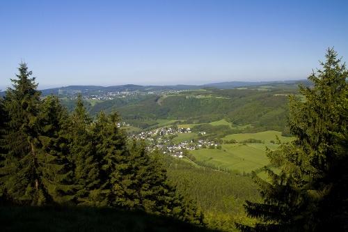Sauerland-Höhenflug: Von Medelon nach Küstelberg. Wanderung mit Bus & Bahn (DB-Westfalenbus)