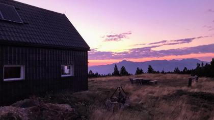 Plasa Hut at dawn