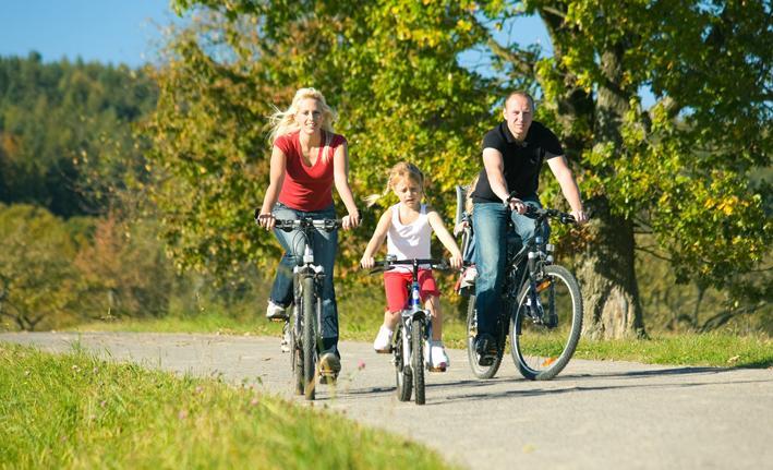 Radfahren mit Kindern: Viel Spaß und positiv für die Entwicklung