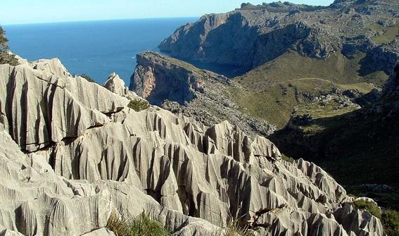 Zwei Gebirgszüge: Serra de Llevant und Serra Tramuntana