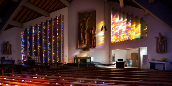 Neue Pfarrkirche Vandans Altarraum