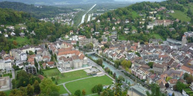 ... führt ein herrlicher Singletrail hinab Richtung Feldkirch