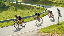 Rennrad und Mountainbike
