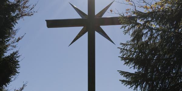 Das große Gipfelkreuz auf dem Schafkopf