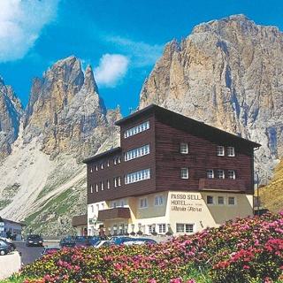Hotel Maria Flora - Canazei - Val di Fassa