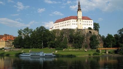 Zámek Děčín a přístaviště