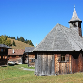Etappe 6: Holzkirche in Obermutten
