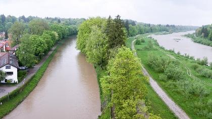 Blick von der Großhesseloher Brücke ins Isartal nach Norden
