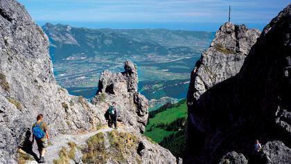 Blick von den Drei Schwestern ins Rheintal