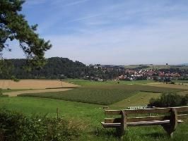 Waldrand Ausblick Richtung Rauschenberg (Foto: Armin Feulner, Quelle: Marburg Stadt und Land Tourismus)