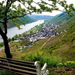 Felsen.Fässer.Fachwerk - Kulturweg Sankt Aldegund - Rastplatz Kehr-Heiligenhäuschen mit Blick auf Sankt Aldegund